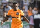 Corinthians empresta lateral Moisés e o volante Gustavo Viera