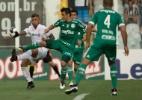Gabigol discute com rivais, apanha e assume protagonismo com gols e catimba - Danilo Verpa/Folhapress