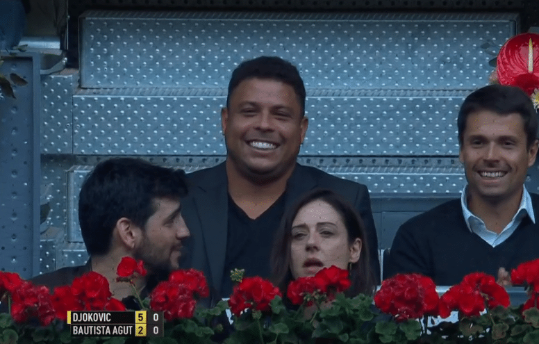 Ronaldo acompanha partida de Djokovic no Masters 1000 de Madri