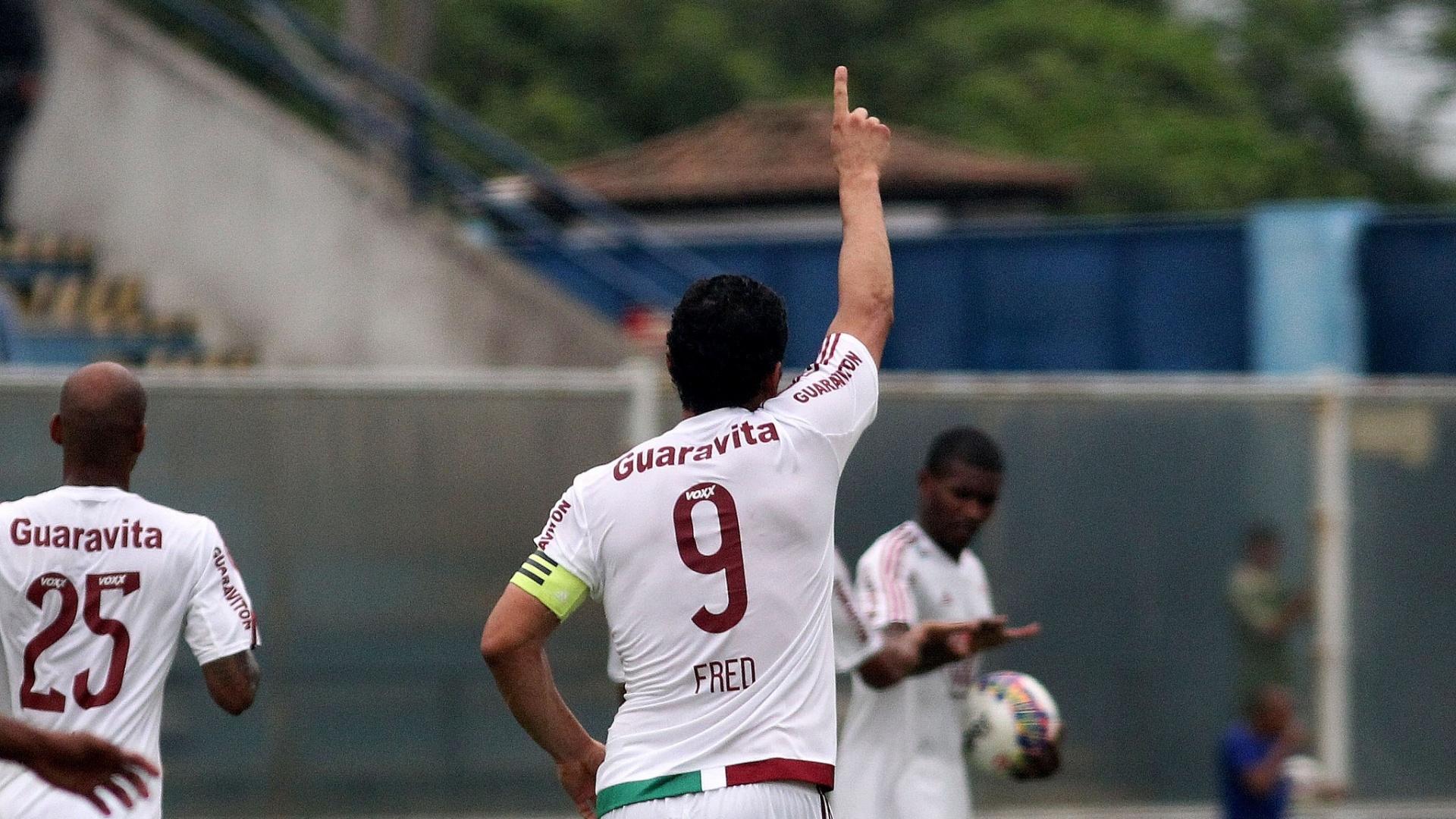Fred comemora um dos três gols marcados diante do Madureira em vitória do Fluminense