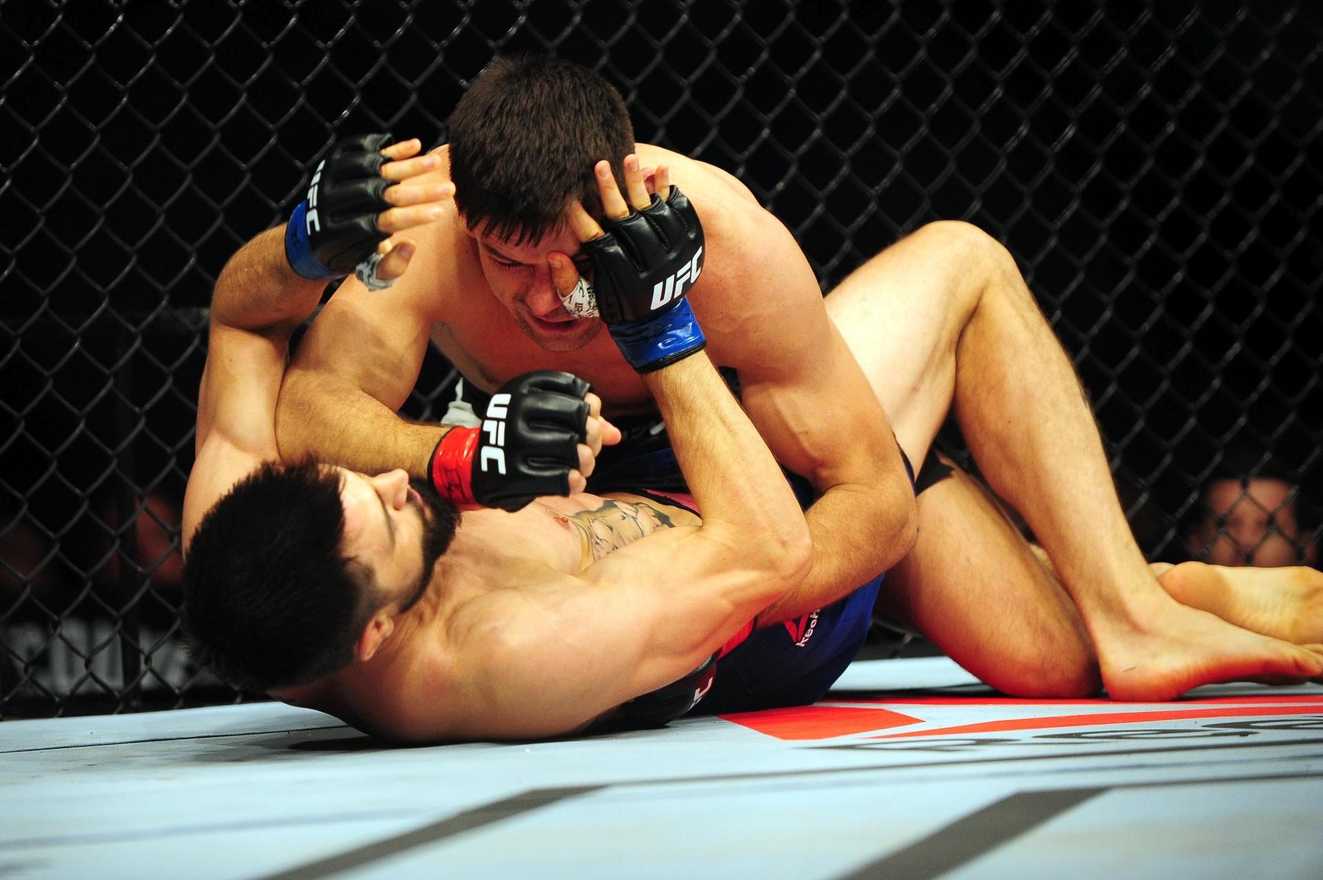 Demian Maia castiga Carlos Condit no UFC Canadá
