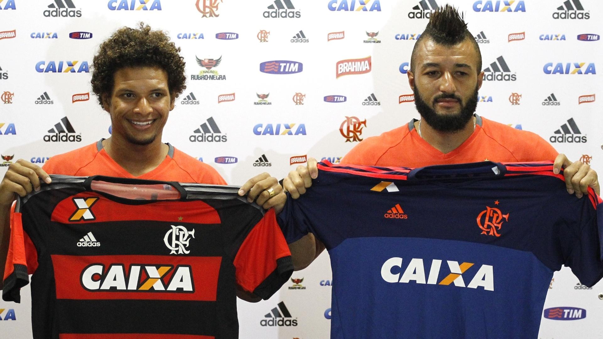Willian Arão e Alex Muralha são apresentados como jogadores do Flamengo