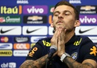 Lucas Lima diz que até família o pressiona na seleção e ignora ida à Europa