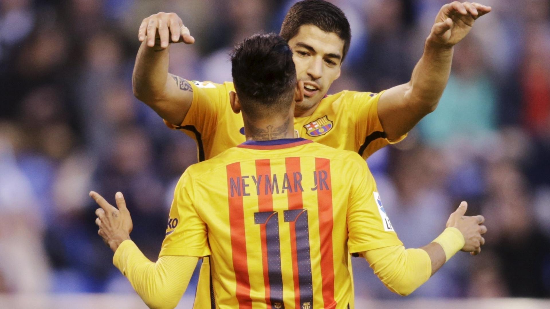 Neymar e Suárez comemoram gol do Barça