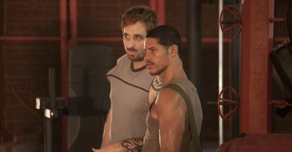 Rafinha Bastos e José Loreto, durante as gravações do longa-metragem baseado na vida do lutador José Aldo
