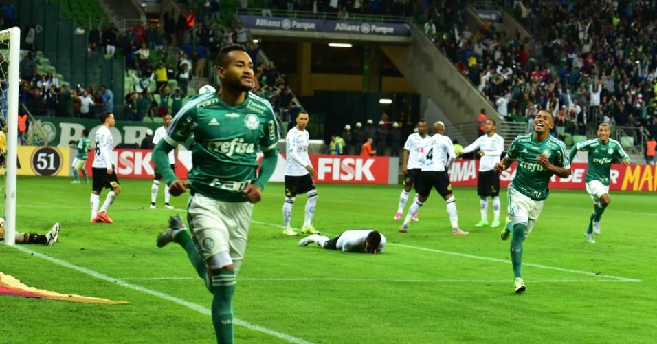 Jackson comemora gol marcado na vitória do Palmeiras por 2 a 0 sobre o Figueirense