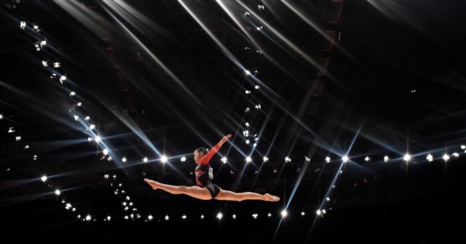 A japonesa Aiko Sugihara compete no primeiro dia do Mundial de ginástica artística, em Glasgow, na Escócia