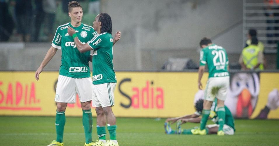 Jogadores do Palmeiras comemoram após garantirem a classificação para a semifinal da Copa do Brasil
