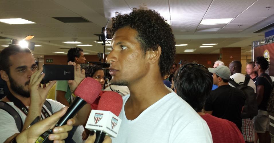 Willian Arão concede entrevista antes do Jogo das Estrelas 2015 no Maracanã