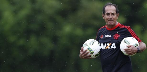 Muricy Ramalho foi internado no Rio de Janeiro após sofrer uma arritmia cardíaca
