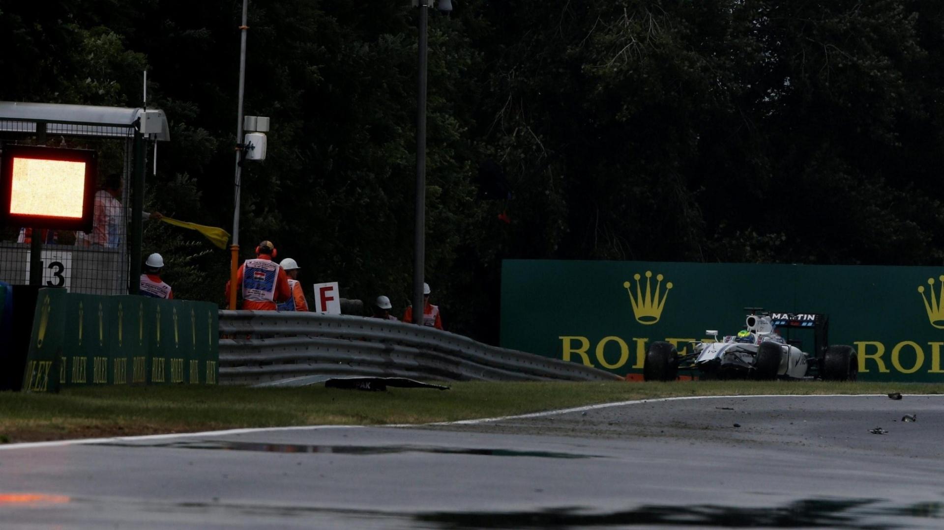 Felipe Massa se choca na primeira parte do treino classificatório na Hungria