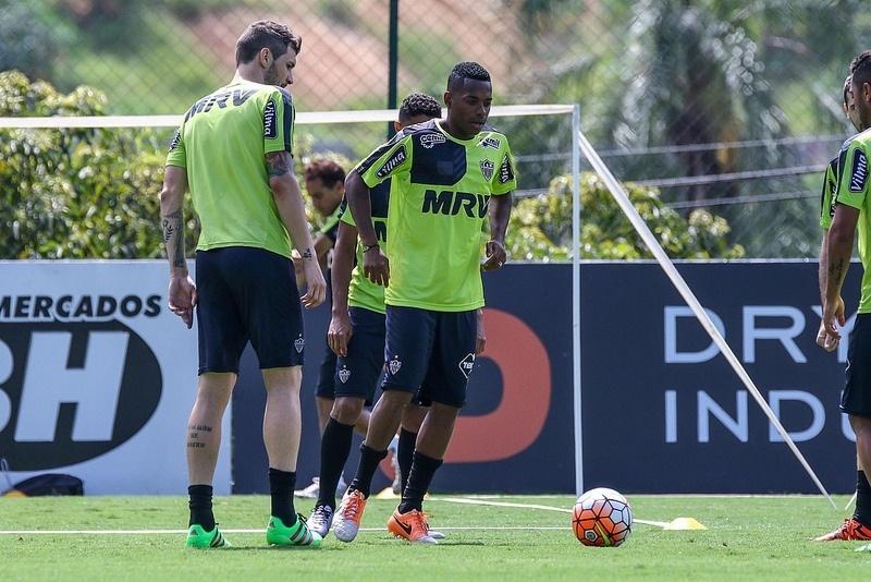 Robinho pode estrear pelo Atlético-MG com pouco mais de uma semana de treinos