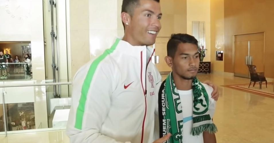 Cristiano Ronaldo e Martunis, jogador do Sporting