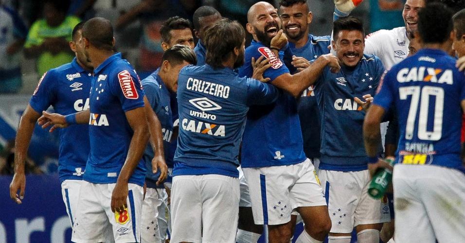 Bruno Rodrigo marca para o Cruzeiro contra o Botafogo