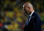 Zidane joga panos quentes em polêmica: