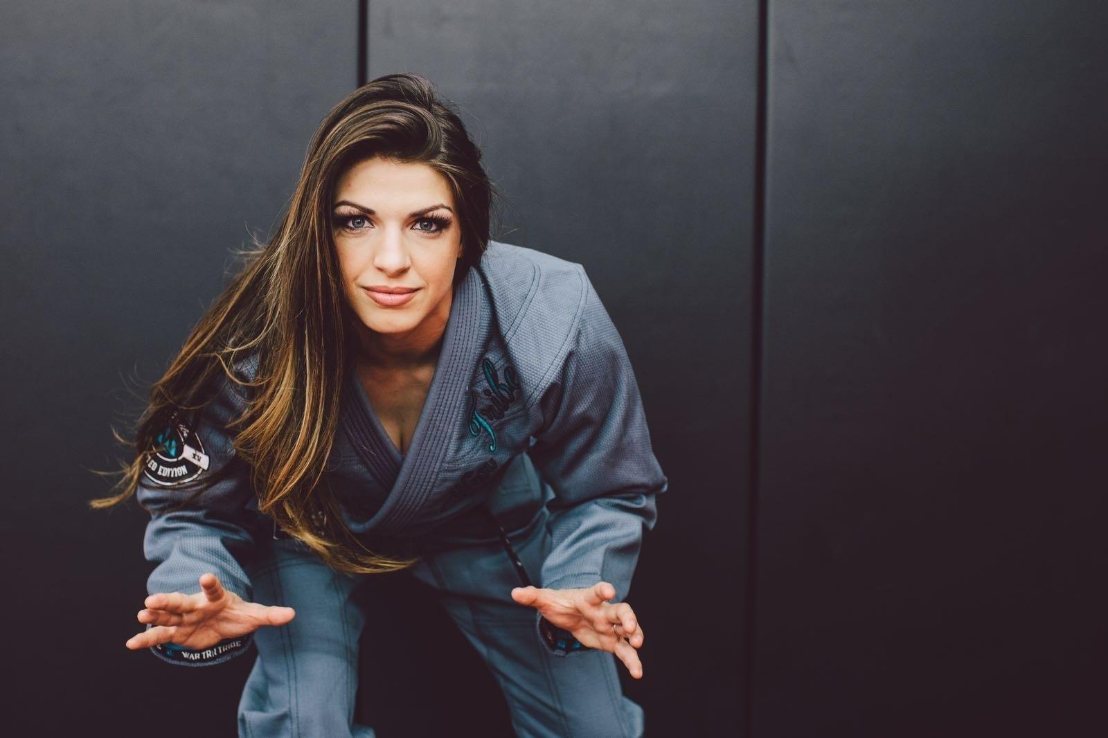 A lutadora, em 2015, foi campeã mundial de jiu-jitsu e levou também o título do ADCC
