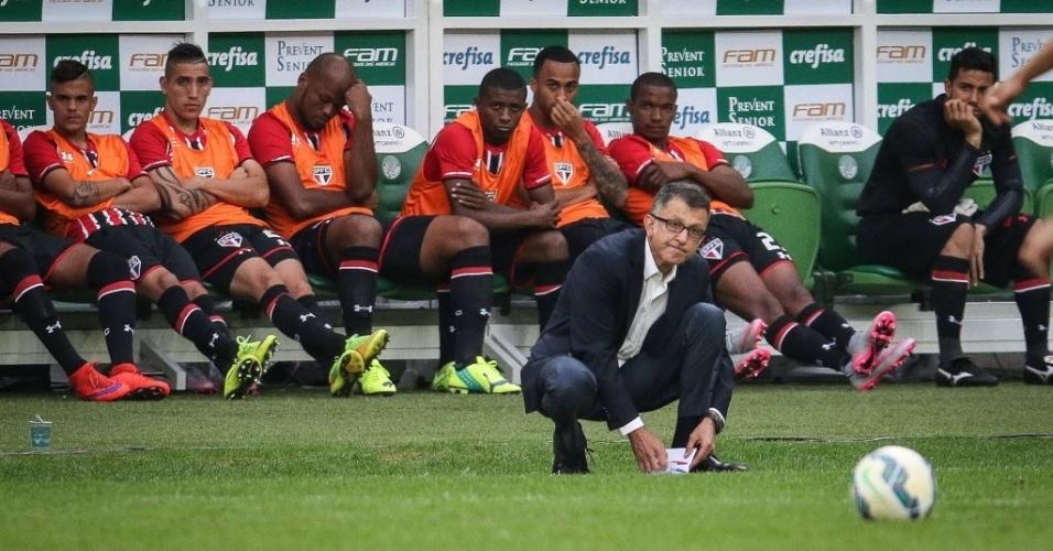 Osorio pega papel e caneta para escrever bilhete no clássico entre São Paulo e Palmeiras no Allianz Parque (28/06)