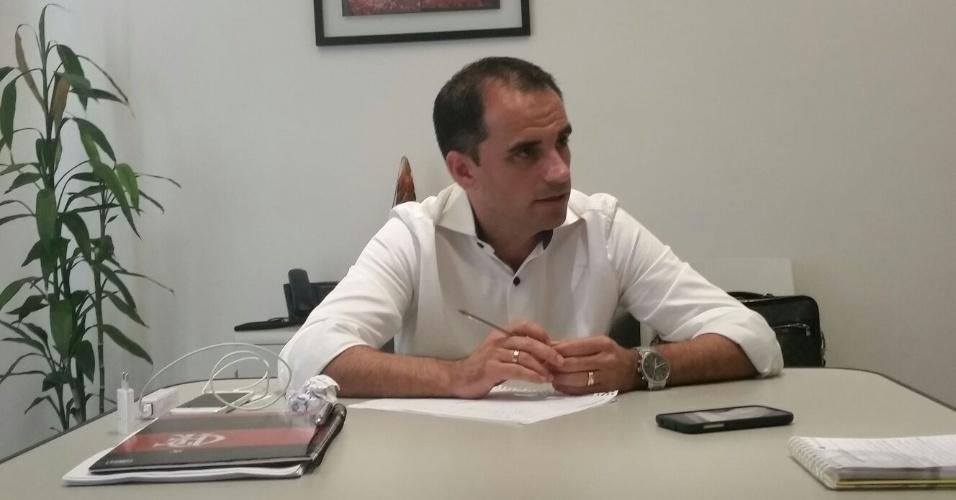 O diretor Rodrigo Caetano fala sobre o planejamento do Flamengo para a temporada 2016