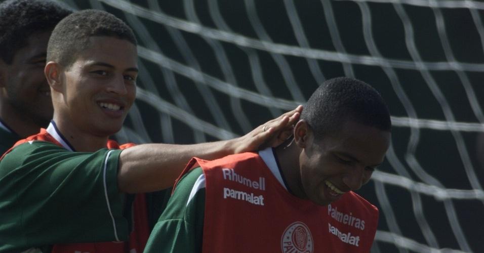 Penna em treinamento do Palmeiras ao lado de Alex