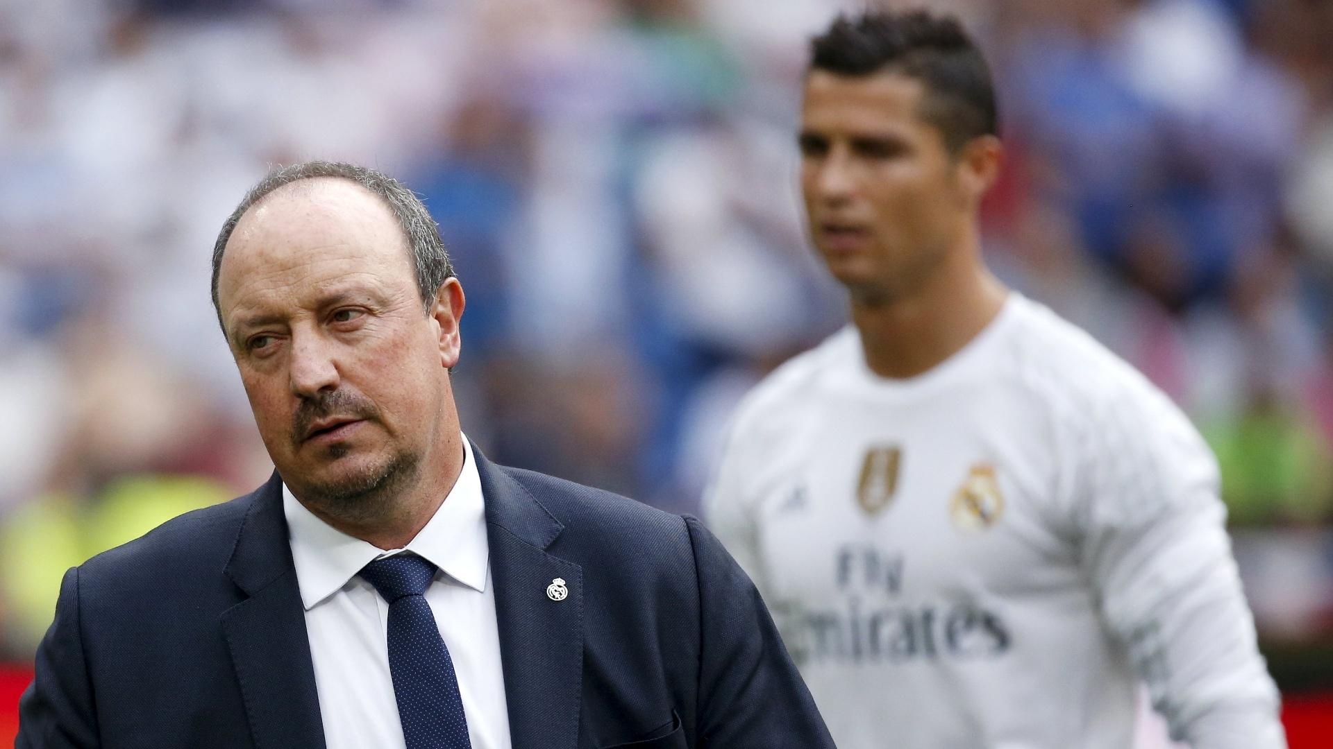 Rafa Benítez, técnico do Real Madrid, lamenta resultado do clube com Cristiano Ronaldo ao fundo