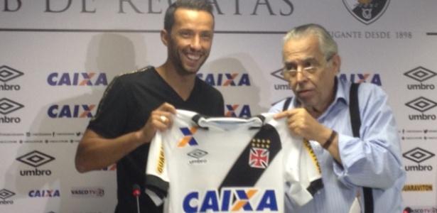 """Camisa do Vasco está """"limpa"""" agora sem os patrocínios da Caixa e da Viton 44"""