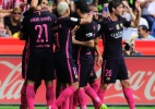 Neymar faz dois gols e Barça goleia em primeiro jogo sem Messi