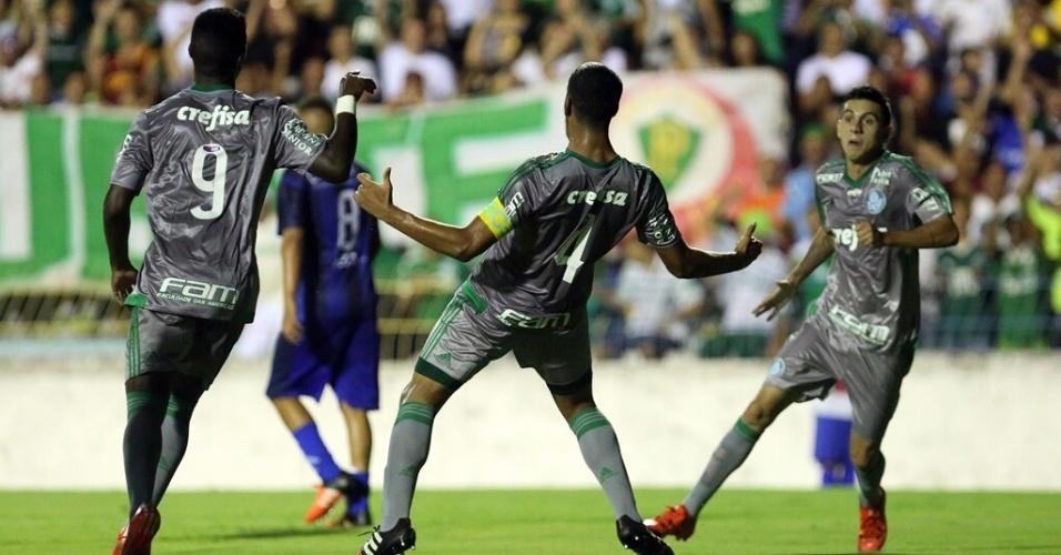 Capitão do Palmeiras, Augusto comemora o primeiro gol marcado na vitória sobre o São José na Copinha