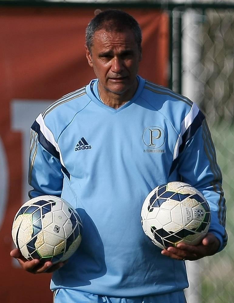 Preparador de goleiros Oscar Rodriguez chegou ao Palmeiras em setembro de 2014