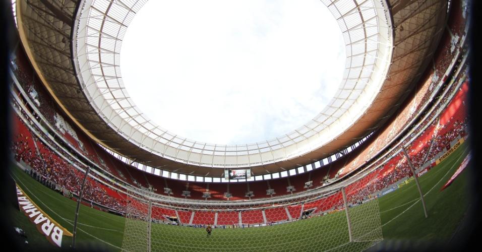 O estádio Mané Garrincha é uma das opções do Flamengo para mandar jogos na temporada