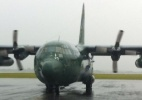 Primeiro avião da FAB com corpos de vítimas de acidente pousa em Chapecó