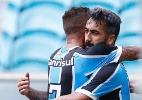 Grêmio vence o Coritiba em jogo com lambança e apagão no estádio
