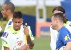 Seleção inicia pré-temporada em busca de referência para substituir Neymar
