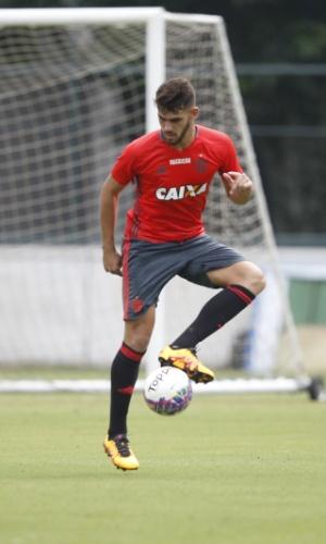 Craque da Copinha 2016, o atacante Felipe Vizeu treina na Gávea com o Flamengo