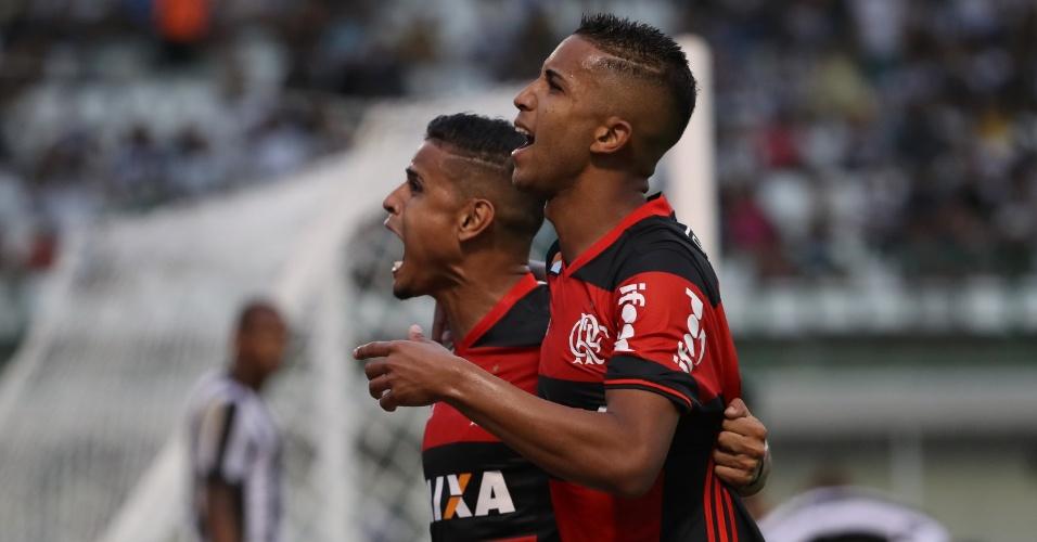 Jorge comemora gol do Flamengo diante do Botafogo em jogo na Arena Botafogo, na Ilha do Governador, pelo Campeonato Brasileiro