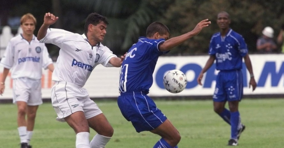 Na Mercosul de 1998, contra o Cruzeiro