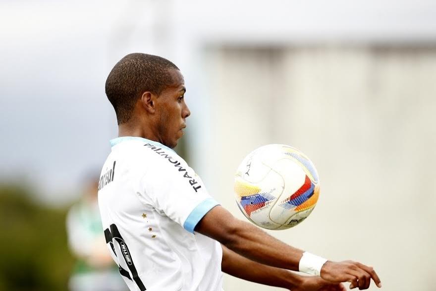 Ty, atacante sul-africano que foi mal no primeiro ano mas receberá nova chance no Grêmio