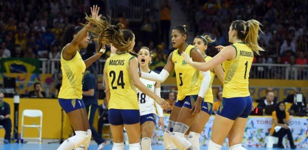 http://imguol.com/c/esporte/a8/2015/07/25/jogadoras-do-brasil-vibram-com-ponto-contra-os-eua-na-final-do-volei-1437876144807_615x300.jpg