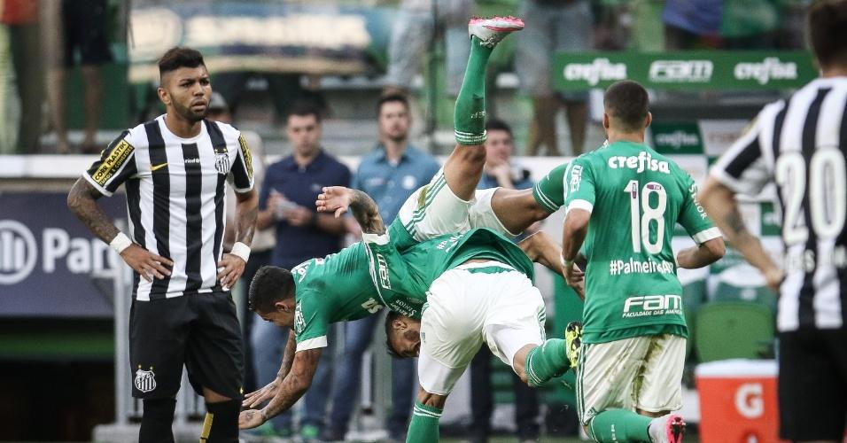 Gabriel lamenta gol sofrido no clássico Palmeiras e Santos, válido pelo Brasileirão