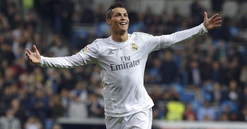 Cristiano Ronaldo celebra gol do Real Madrid em goleada contra o Espanyol