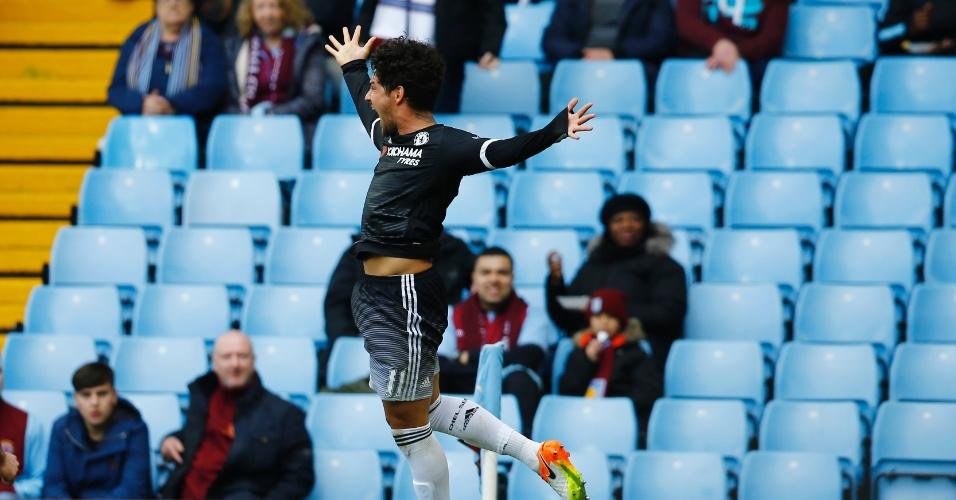 0s.abr.2016 - Alexandre Pato comemora após marcar, de pênalti, um gol na partida contra o Aston Villa