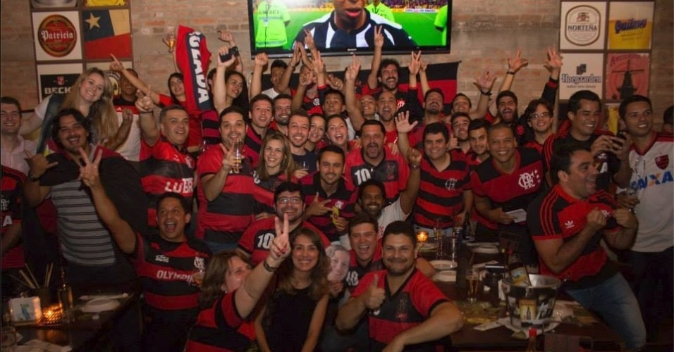 Torcida Fla-Sampa se reúne em São Paulo para acompanhar os jogos do Flamengo