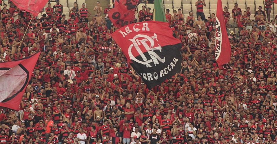 A torcida do Flamengo não escondeu a revolta com a derrota por 3 a 0 para o Corinthians