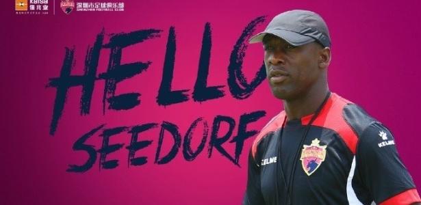 Seedorf em ação como técnico do Shenzhen FC