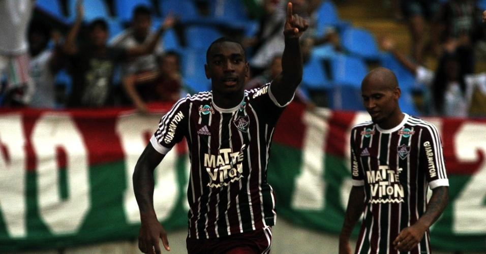 Gerson comemora o gol do Fluminense sobre o Vasco