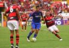 Diego Souza reclama da arbitragem em revés para o Flamengo: