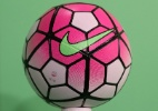 Fla x Corinthians e Gre-Nal terão bola rosa em campanha de câncer de mama