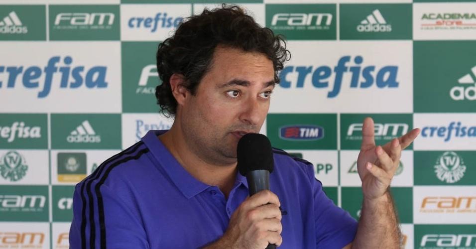 Diretor de futebol do Palmeiras, Alexandre Mattos, durante apresentação do goleiro Vagner