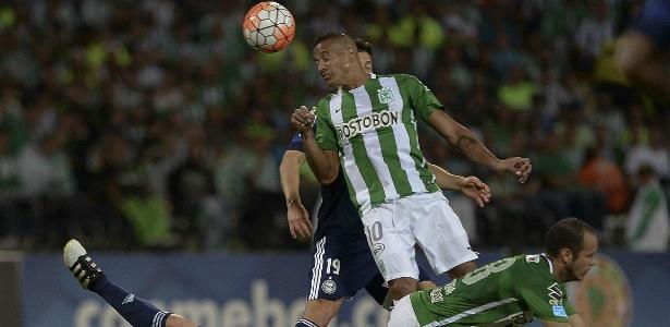 Coritiba saiu na frente, mas não resistiu ao campeão da Libertadores