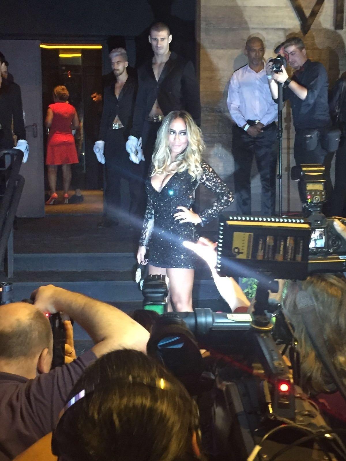 Rafaella Beckran, irmã de Neymar, chega para a festa em uma casa noturna na zona oeste de São Paulo