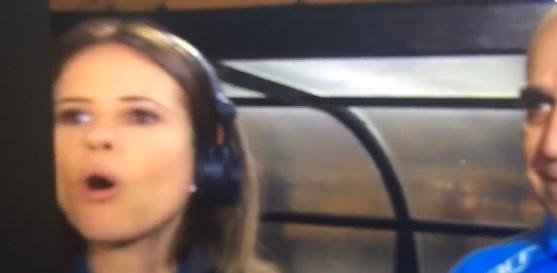 Joanna de Assis é interrompida e solta palavrão ao vivo em transmissão